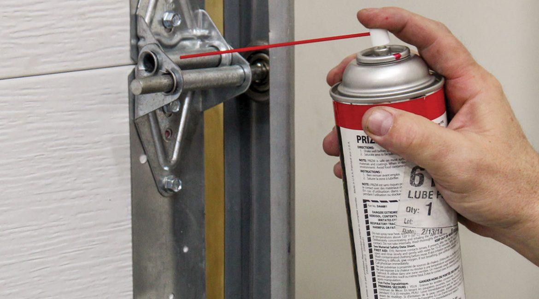 roller lubrication garage door